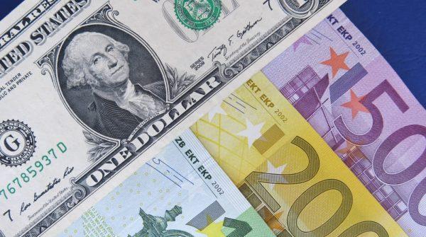 البيع المكثف في اليورو